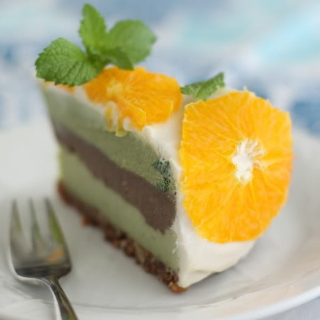 Raw Spearmint and Chocolate Cheesecake
