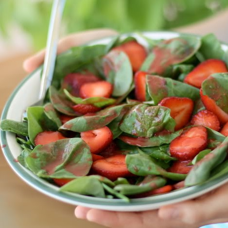 Baby Spinach and Strawberry Salad with Pink Dressing