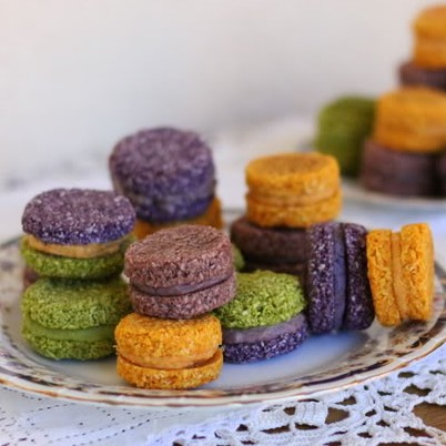Raw Holiday Macarons