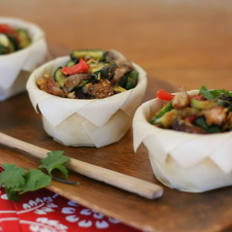 Raw Caramelized Vegetables in Crispy Coconut Cups